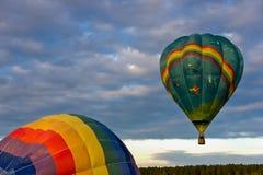 Ballong i himlen fotografering för bildbyråer
