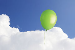 Ballong i skyen Royaltyfria Bilder