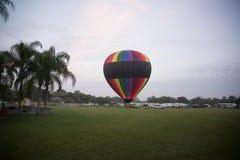 Ballong på fältet Arkivbild