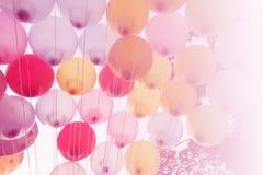 Ballong på himmel Royaltyfri Foto
