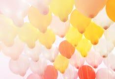 Ballong på himmel Royaltyfri Fotografi