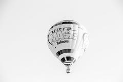 Ballong Putrajaya för varm luft i svart & vit Arkivbild