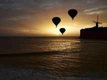 Ballonger över havet Arkivfoton