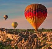 Ballonger för varm luft i luften Arkivfoto