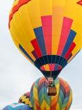 Ballonger lyfter av på Lake Havasu royaltyfria foton