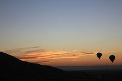 ballongflygandesoluppgång arkivfoto