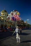 Ballongsäljare - magiskt kungarike, WDW Royaltyfri Bild
