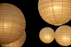 Ballonpapierlampen horizontal Stockfotos
