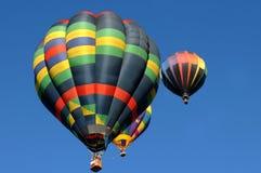Ballons à air chauds colorés Photographie stock