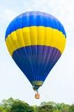 Ballons à air chauds colorés Images libres de droits