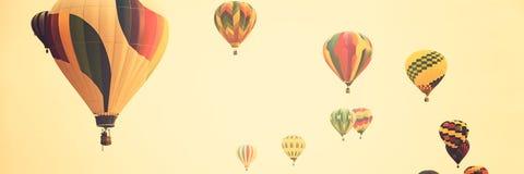 Ballons à air chauds colorés multi Photos libres de droits