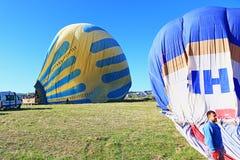 Ballons à air chauds débarqués Kapadokia Turquie Images stock