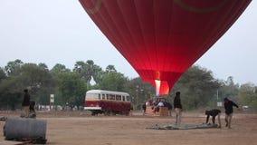 Ballons à air chauds dans Bagan clips vidéos