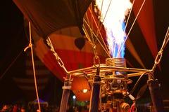 Ballons à air chauds et détail de brûleur à une lueur annuelle de ballon en Arizona Photo stock