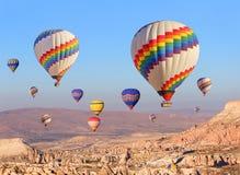 Ballons au-dessus de Cappadocia Photos stock
