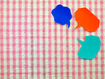 Ballons colorés (fond rose de tissu) Image stock