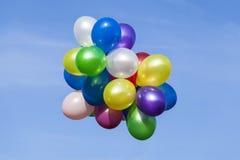 Ballons colorés multi image stock