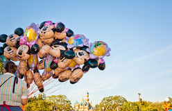 Ballons de Mickey Mouse dans Disneyland Photos libres de droits