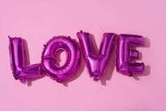 ballons en forme de lettre formant l'amour de mot Image libre de droits