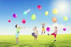 Ballons espiègles de crochet d'enfants Images stock