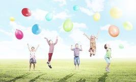 Ballons espiègles de crochet d'enfants Image stock