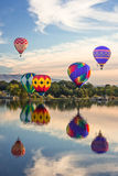 Ballons géants au-dessus de rivière de Yakima Image libre de droits