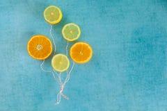 Ballons lumineux des tranches de fruit Photographie stock