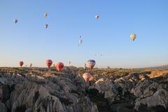 Ballons onder aarde royalty-vrije stock fotografie