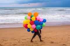 Ballons op het strand Royalty-vrije Stock Foto's