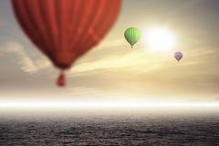 Ballons quentes do ar no céu Fotografia de Stock