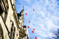 Ballons rouges de coeur Photos libres de droits