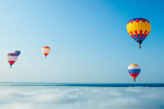 Ballons sur le fond de ciel bleu Photos libres de droits