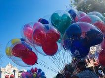 Ballonverkoper in Disneyland stock fotografie