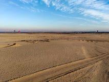Ballonvlucht, mooie mening aan woestijn waar wij voorbereidingen treffen royalty-vrije stock afbeeldingen