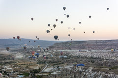 Balloon flying over Cappadocia Royalty Free Stock Photography