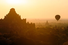 Balloon over temples of Bagan Royalty Free Stock Photography