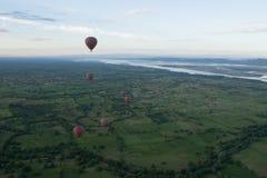 Ballooning σε Bagan Στοκ Εικόνες