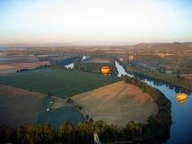 Ballooning bij zonsopgang stock foto's