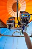 Ballooning met een hete luchtballon royalty-vrije stock fotografie