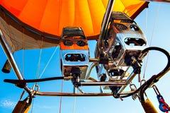 Ballooning met een hete luchtballon in bak 22 van Duitsland 09 2 stock afbeeldingen