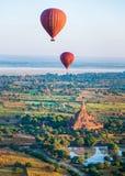 Ballooning sobre Bagan Foto de Stock Royalty Free