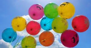 Balloons o céu azul Imagem de Stock