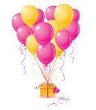 Balloons o coração com presente Fotografia de Stock Royalty Free
