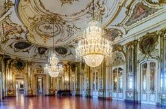 Ballsaal des Queluz-Staatsangehörig-Palastes lizenzfreies stockbild