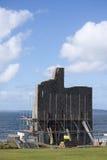 Ballybunions-Schloss umgeben durch scafold Lizenzfreie Stockbilder