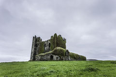 Ballycarbery城堡,凯里郡,爱尔兰 免版税库存照片