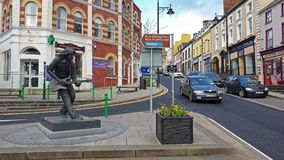 Ballyshannon/Irlanda - 20 de febrero de 2019: Ballyshannon está situado en el final meridional del condado Donegal y del nacimien almacen de metraje de vídeo