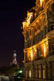 Balmoral byggnad och Sir Walter Scott Monument Fotografering för Bildbyråer