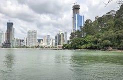 Balneà ¡ Rio Camboriú, SC/Brazylia widzieć od końcówki centrali plaża obraz royalty free
