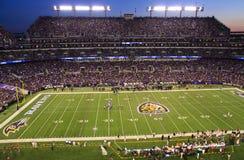 Balompié de la noche del NFL lunes en Baltimore Foto de archivo libre de regalías